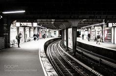still waiting Underground Station Hamburg/Landungsbrücken