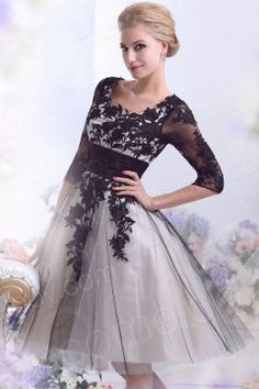Casual A-Line Square Half Sleeve Knee Length Tulle Wedding Dress with Appliques CWZK13002
