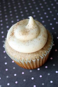 Read It & Eat: Snickerdoodle Cupcakes