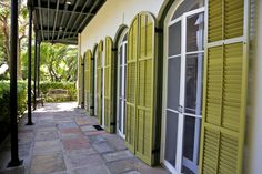 A Trip Back in Time at the Hemingway House in Key West | http://wanderthemap.com/2014/04/trip-back-time-hemingway-house-key-west/