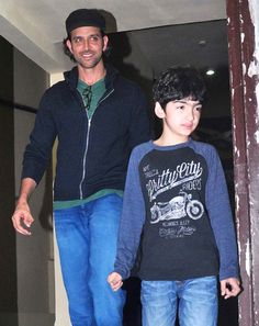 Hrithik Roshan arrives at the movie theatre with elder son Hrehaan.