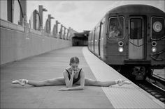 Stunning Photos Document Ballet Dancers Gracefully Exploring Their Cities - My Modern Met