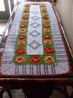 Arte Croche :: Caminho de mesa flores