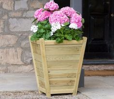 The Eaton Tall Planter is Immediately eye catching, it's also very versatile with the ability to add colour and texture to a variety of locations.