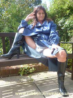 Mackintosh Raincoat, Rubber Raincoats, Raincoats For Women, Rain Wear, Steampunk, Rain Jacket, Windbreaker, Boots, Latex