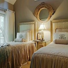 peaceful twin room with natural linen bedspread with ruffle fall one of our best selling linen beddings lots of compliments from happy customers. get yours at superiorcustomlines.com photo credit @savannah #linens  #bedcover  #bedspread #romantic #instadecoration #instabedroom