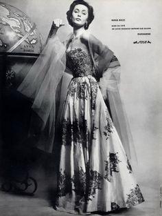 Nina Ricci, 1954    Photo by Guy Arsac