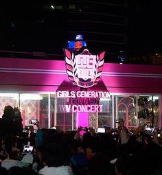 Girls' Generation Special 'Virtual' Concert at Gangnam Station