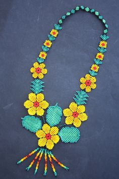 Huichol Art Peyote Stitch Patterns, Bead Loom Patterns, Beading Patterns, Bead Jewellery, Seed Bead Jewelry, Beaded Jewelry, Seed Bead Projects, Beading Projects, Crochet Necklace