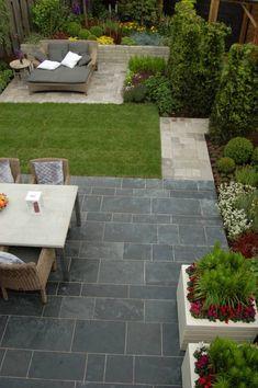 small garden ideas for tiny outdoor spaces 29 Backyard Patio Designs, Backyard Landscaping, Small Back Gardens, Small Garden Plans, Back Garden Design, Garden Paving, Diy Garden Decor, Dining, Outdoors