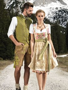 "Fantastic Astrid Söll Dirndl by Angermaier ""Rosalie"" with elaborate lace . Fantastic Astrid Söll Dirndl by Angermaier ""Rosalie"" with an elaborate lace apron. Green Fashion, Look Fashion, Fashion Beauty, Oktoberfest Outfit, Mode Man, Best Wedding Colors, Dirndl Dress, Dress Outfits, Fashion Outfits"