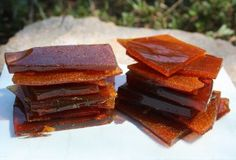 Honey Candy 1 cup honey cup apple cider vinegar (or fruit infused vinegar) (optional) teaspoon pure vanilla extract Hard Candy Recipes, Whole Food Recipes, Snack Recipes, Dessert Recipes, Snacks, Healthy Recipes, Honey Dessert, Paleo Dessert, Easy Desserts