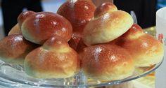 La ricetta delle brioches di Detto Fatto dalla puntata del 9 settembre Croissants, No Cook Desserts, Dessert Recipes, Bread Recipes, Cooking Recipes, Italian Breakfast, Sicilian Recipes, Recipe For 4, Sweet Cakes