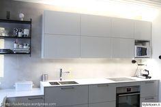 keittiö,välitila,keittiön välitila,led-valot,led-nauha Kitchen Cabinets, Led, Living Room, Interior, Cottage, Home Decor, Ideas, Decoration Home, Indoor