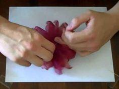 Organza Flowers Tutorial Part 3 círculo cortado en pétalos varios tamaños