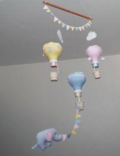 Móbile Elefante e balões - decoração móbile de teto tema elefantinho suspenso…