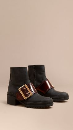 The Buckle Boot in Rubberised Leather Black | Burberry