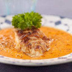 Krämig kycklingsoppa – recept Lchf, Thai Red Curry, Ethnic Recipes, Oliver, Food, Red Peppers, Meals, Yemek, Eten