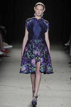Laurence Xu Fall Couture 2013 - Slideshow