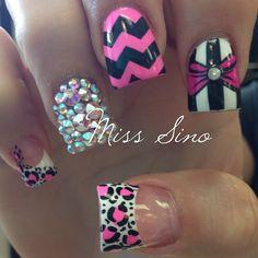 Hot pink and black bling nails Get Nails, Fancy Nails, Bling Nails, Love Nails, Hair And Nails, Style Nails, Crazy Nails, Rhinestone Nails, Fabulous Nails