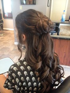 Half up prom hair (by me:) ball hairstyles, wedding hairstyles with veil, f Bridal Hairstyles With Braids, Formal Hairstyles For Long Hair, Ball Hairstyles, Homecoming Hairstyles, Wedding Hairstyles, Graduation Hairstyles, Pretty Hairstyles, Braided Hairstyles, Half Up Curls
