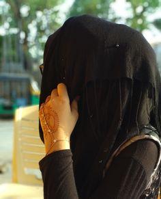 Dpz for girls Niqab Fashion, Modern Hijab Fashion, Muslim Fashion, Cute Muslim Couples, Muslim Girls, Girls Dp Stylish, Stylish Girl Images, Hijabi Girl, Girl Hijab