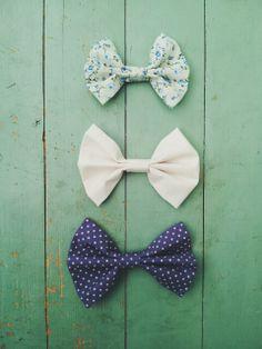 bows are cool Fabric Hair Bows, Diy Hair Bows, Diy Bow, Giant Bow, Hair Supplies, Handmade Hair Bows, Scarf Jewelry, Little Bow, Cute Bows