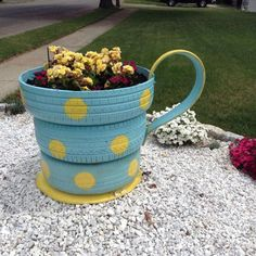 Recycling Tires coffee cup.^