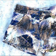 Myne Ashley Ann silk printed shorts Super chic silk print shorts by Myne Ashely Ann. Built in belt to cinch in if needed. Like new condition! Myne ashley ann Shorts