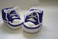 CROCHET BABY CONVERSE Let's face it, everyone has seen these somewhere and tried a version whether knit or crochet. Couple years ago, before I found Ravelry, I saw a knit pair and tried to make it in crochet. Many attempts by trial and error have led to these notes. (Many attempts that probably could have been avoided if I had found Ravelry earlier.)