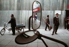 Gueorgui Pinkhassov. China. 1993. #color #street #photography