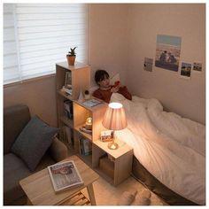 , 70 Dorm Room Minimalist Inspiration Dekor Ideen ~ ❣︎「 29 bedroom ideas for small rooms 22 Small Room Bedroom, Bedroom Decor, Dorm Room, Bedroom Simple, Bedroom Ideas For Small Rooms Diy, Minimalist Dorm, Deco Studio, Studio Desk, Studio Room