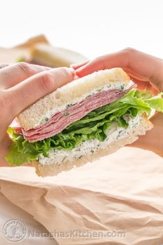salami sandwich with dill cream cheese spread is easy and perfect work or school lunch since it can be made the night before. The best salami sandwich! Salami Sandwich, Roast Beef Sandwich, Sandwich Spread, Sandwich Recipes, Sandwich Ideas, Healthy Cold Lunches, Healthy Food List, Healthy Snacks, Healthy Recipes