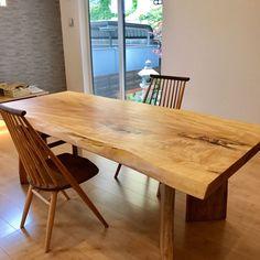 トチの一枚板ダイニングテーブルて、シビルチェアを納品してきました。 #トチ#栃#とち#一枚板#一枚板テーブル#テーブル#ダイニングテーブル#table #diningtable #家具#家具furniture #furniture #家具屋#オーダー家具 #木工#鉋#きくら #広島#廿日市#日本#japan #wood#woodwork #woodworking #woodfurniture