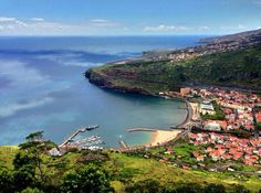 Machico, Madeira, Portugal Funchal, Beautiful Places To Visit, Oh The Places You'll Go, Europe, Paragliding, Portugal Travel, Island Life, Travel Destinations, Vacation