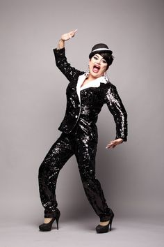 Runway Themes: Queen of Your Hometown& Queen Elizabeth Realness Runway Theme: Bond Girl Glamourama Paper Fashion, Fashion Art, Drag Racing Quotes, Drag King, Races Outfit, The Vivienne, Rupaul Drag, Bob Mackie, Red Carpet Looks