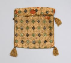 Reliquary bag | Rhineland | 14th-15th century | linen, silk, metal-wrapped thread | Museum Schnütgen | Inventory #: P 870