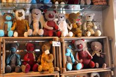 These cute hand-made bears is available only in Shop Sadunhenki at Jokikatu, each with a unique design. Get familiar with the bears and pick your own favourite! www.visitporvoo.fi
