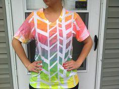 cool spray tye dye shirt. I love spray tye dye crafts, they are so fun to do especially with kids.