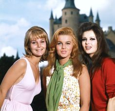 Carol Lynley, Ann-Margret and Pamela Tiffin, who star in The Pleasure Seekers, 1964 Pamela Tiffin, Ann Margret Photos, Cincinnati Kids, Dolores Hart, Carol Lynley, Pleasure Seeker, Faye Dunaway, Inspirational Celebrities, Elvis Presley