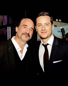 Can't believe it's been five years working with What an honor. You're an artist and a friend ❤️ Nbc Chicago Pd, Chicago Shows, Chicago Med, Chicago Fire, Best Tv Shows, Favorite Tv Shows, Traje A Rigor, Elias Koteas, Jay Halstead