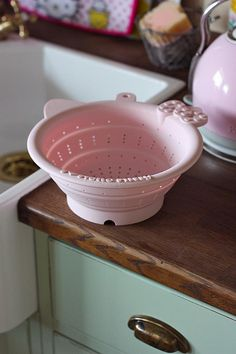 Hello Kitty Colander