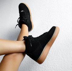 d672afb031e Zapatos De Moda, Zapatillas, Tenis, Ropa De Adidas, Estilo Deportivo,  Zapatos