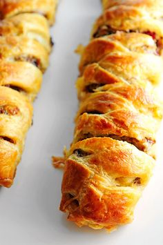 This Sausage Apple Puff Pastry Braid is an easier  recipe than you think and is a great dish for breakfast, brunch, lunch or dinner. Take your pick!