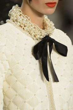 Chanel Haute Couture fall/winter 2015-2016. See all of the best accessories from the Paris couture runways.