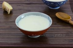 You can't miss this traditional Chinese dessert, silky smooth egg whites and milk custard subtly blended with the pungent flavour of ginger. Dessert Recipes, Egg White Dessert, Confinement Food, Christine's Recipe, Easy Chinese Recipes, Easy Recipes, Asian Desserts, Chinese Desserts, Desert Recipes