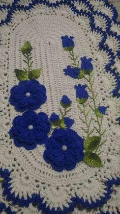 53 ideas for crochet blanket round projects Crochet Mat, Crochet Carpet, Crochet Home, Love Crochet, Baby Blanket Crochet, Beautiful Crochet, Crochet Table Runner, Crochet Tablecloth, Crochet Doilies