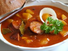 Czech Recipes, Ethnic Recipes, Thai Red Curry, Stew, Food And Drink, Treats, Red Peppers, Bakken
