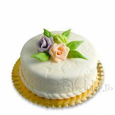 Trio de trandafiri deliciosi Cake, Desserts, Food, Pie Cake, Tailgate Desserts, Pastel, Postres, Cakes, Deserts