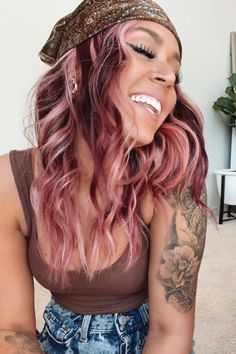 ok I NEED Frosé highlights 😍👏 @slayederella in Frosé #AFfrosé Hair Color Pink, Pink Hair, Blonde Hair, Hair Levels, Semi Permanent Hair Dye, Arctic Fox Hair Color, Pink Highlights, Platinum Hair, Bright Hair